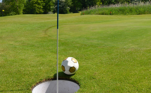 Soccer-Golf Foot-Golf